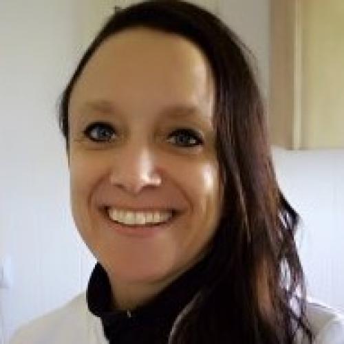 Angela Wijthoef  Auxiliar  Clinica Benissa