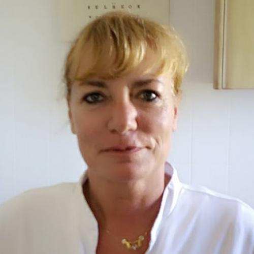 Cindy Hoogervorst  Auxiliar  Clinica Benissa